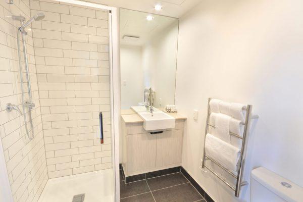 bathroom_1a
